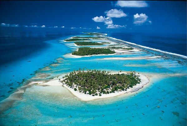 island where tahitian pearls are found