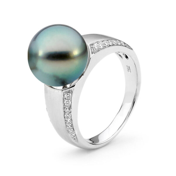 Tahitian Pearl Ring with diamonds and white gold