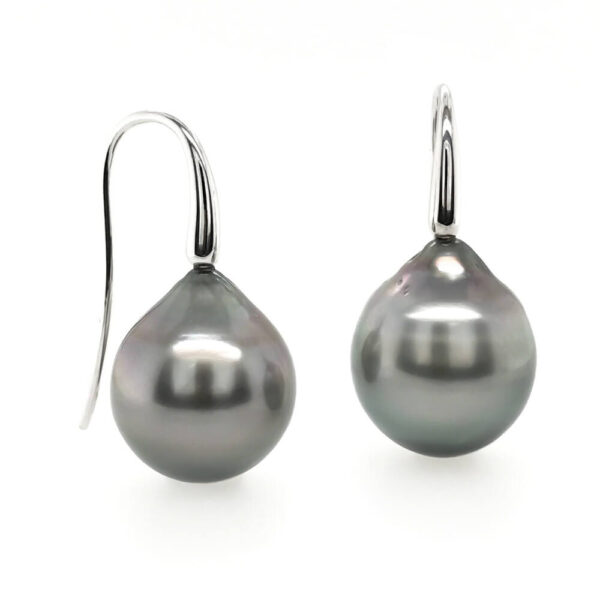 14 mm Tahitian Pearl earrings