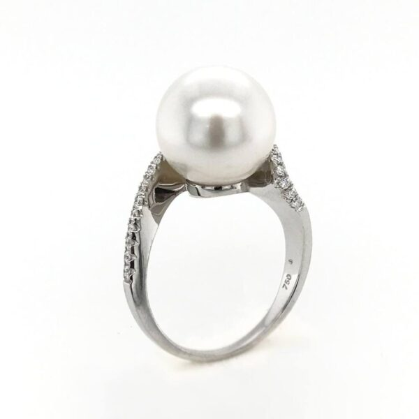 White Gold & Diamond Swirl Pearl Ring